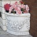 Vaso Angolo- arredo da giardino in graniglia di marmo di carrara