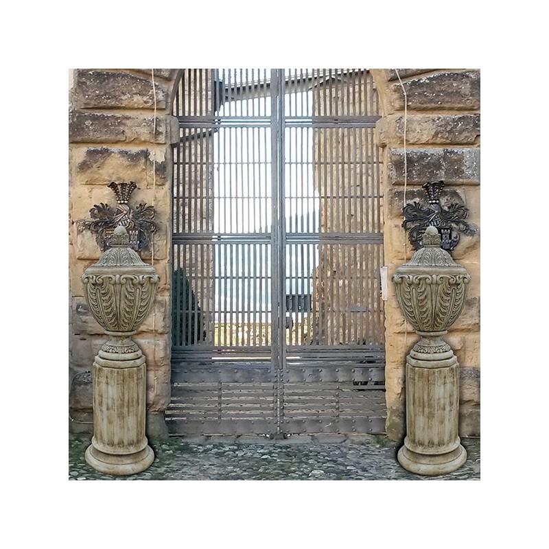 Anfora Caracalla- arredo da giardino in pietra ricomposta