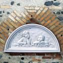 Bassorilievo Raffaello - arredo da giardino in graniglia di marmo di Carrara 100% Made in Italy