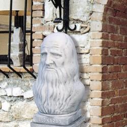 Busto Leonardo da Vinci
