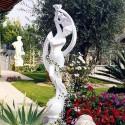 Venere danzante - arredo da giardino in graniglia di marmo di Carrara