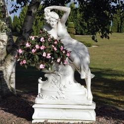 Venere sognante - statua da giardino in graniglia di marmo di Carrara