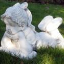 Bimba che legge- statue da giardino in graniglia di marmo di Carrara