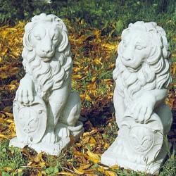 Coppia leone con scudo