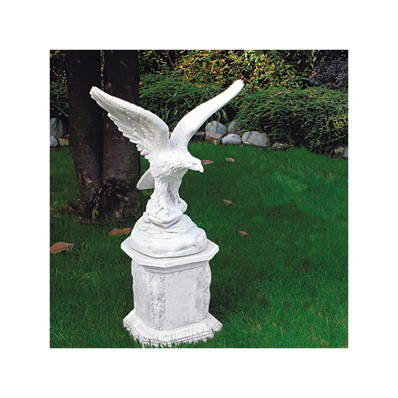 aquila - arredo da giardino in graniglia di marmo di Carrara