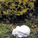 Coniglio Frifrì - arredo da giardino in graniglia di marmo di Carrara