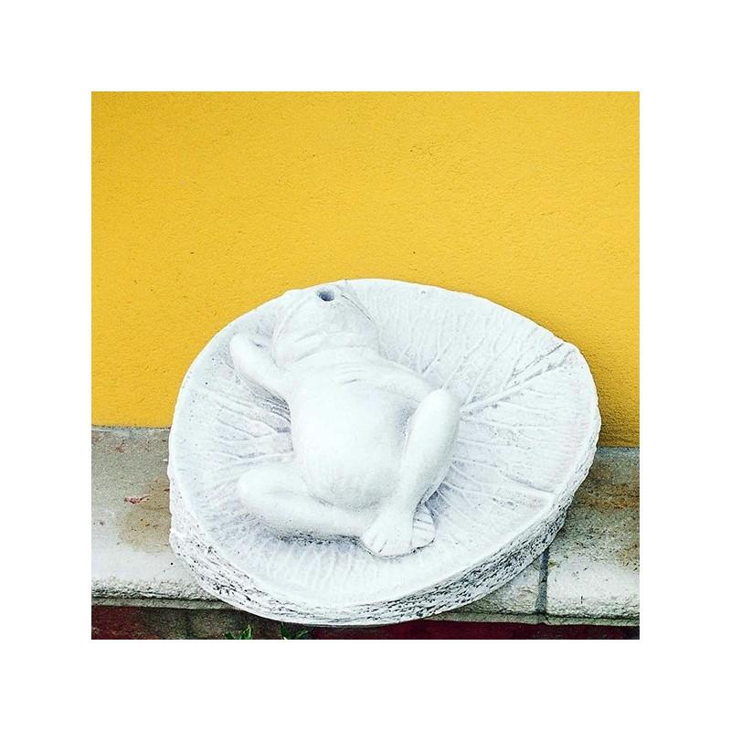 Rana su foglia - statua da giardino animali in graniglia di marmo di Carrara