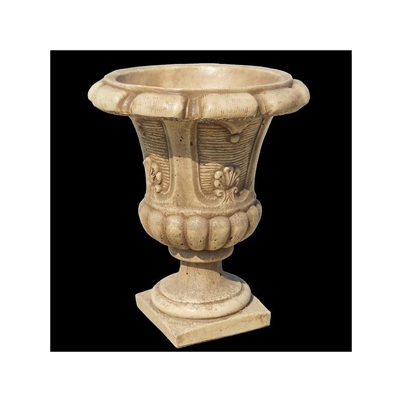 Vaso-trifoglio-design-antiquariato-arredo-da-giardino-graniglia-d-marmo-di-carrara