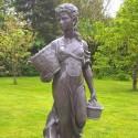 Paesanella G. - statue da giardino in graniglia di marmo di Carrara
