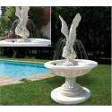Fontana Fata del vento_fontane da giardino funzionanti in graniglia di marmo di Carrara