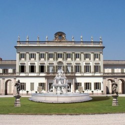Fontana Montecarlo - fontane da giardino funzionanti in graniglia di marmo di Carrara
