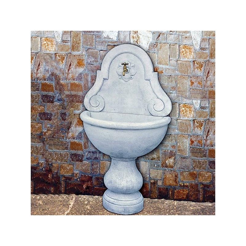 Fontana a muro Lione (grande) - fontane da giardino con rubinetto in graniglia di marmo di Carrara