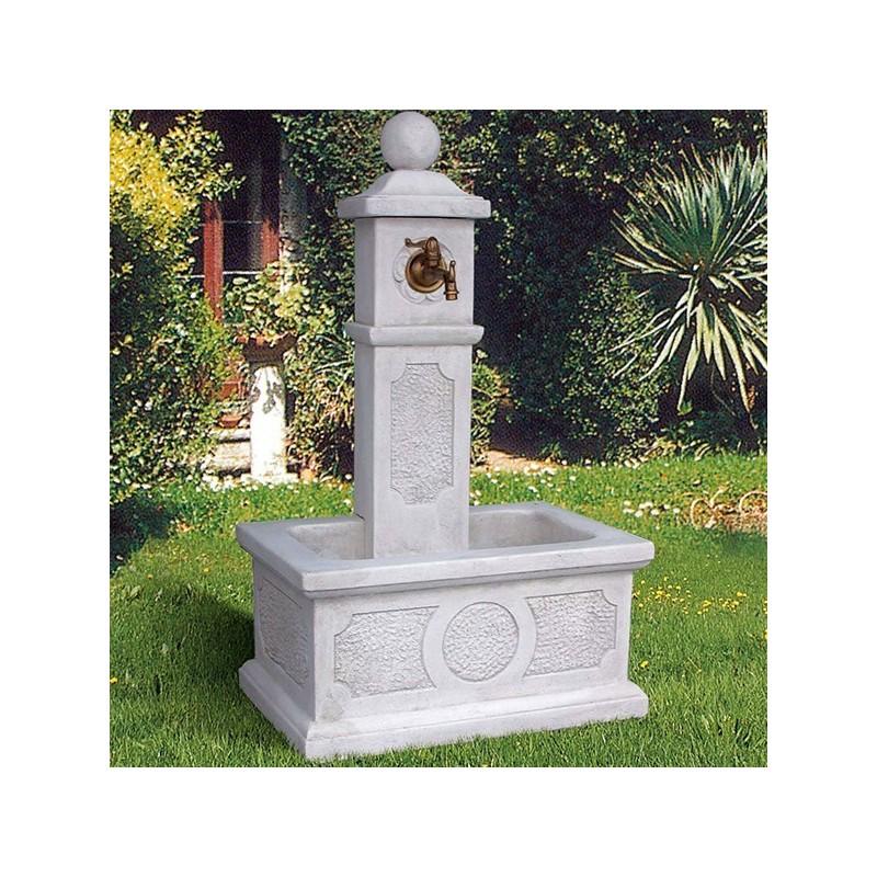 Fontana Marinella - fontane da giardino con rubinetto in graniglia di marmo di Carrara