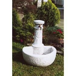 Foto Dolomiti - fontane da giardino con rubinetto in cemento bianco