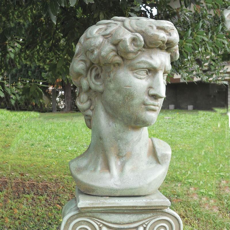 Busto David