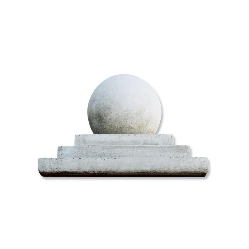 Piramide con sfera